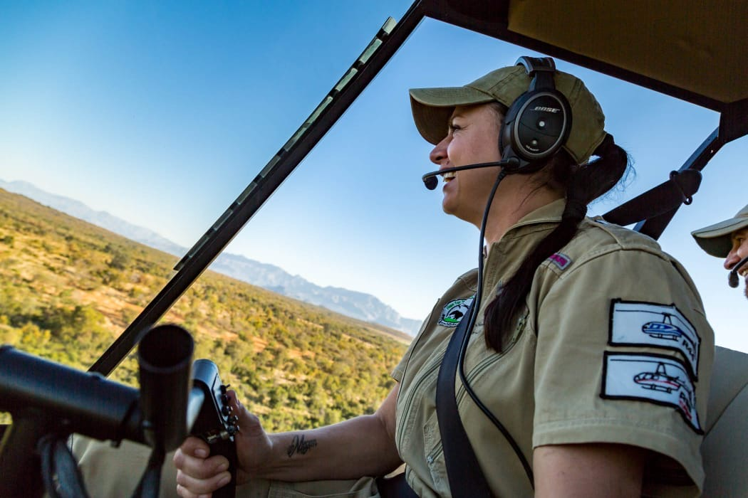 Hope for Wildlife Helicopter Services Jana Meyer pilot